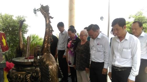 Trưởng Ban Dân vận Thành ủy TPHCM thăm các gia đình chính sách ảnh 6