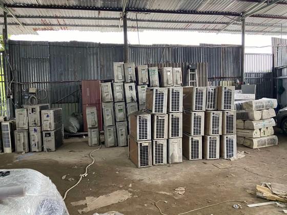 Phát hiện đường dây vận chuyển hàng hóa cấm nhập khẩu từ Campuchia về TPHCM ảnh 1