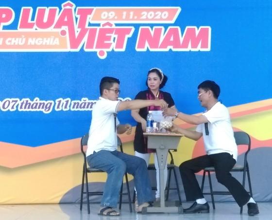 Nhiều hoạt động hưởng ứng Ngày Pháp luật Việt Nam ảnh 3