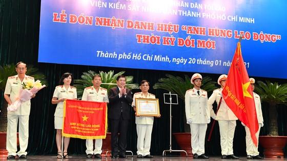 Viện KSND TPHCM nhận danh hiệu Anh hùng Lao động thời kỳ đổi mới ảnh 3
