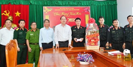 Đồng chí Nguyễn Hồ Hải thăm, chúc Tết nhiều đơn vị, cá nhân ảnh 2