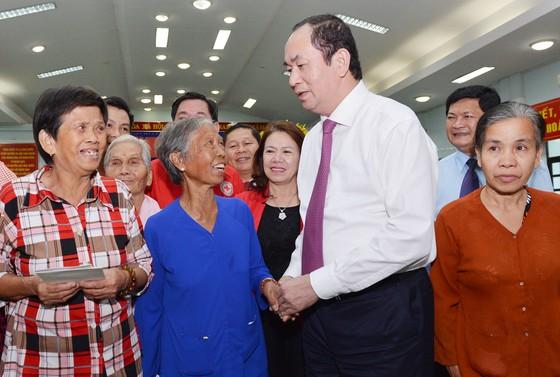 Chủ tịch nước Trần Đại Quang dâng hương tại Đền tưởng niệm liệt sĩ Bến Dược ảnh 5