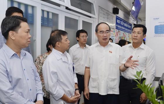 """Gặp Bí thư Thành ủy TPHCM Nguyễn Thiện Nhân, doanh nghiệp """"than"""" về thủ tục hành chính ảnh 1"""