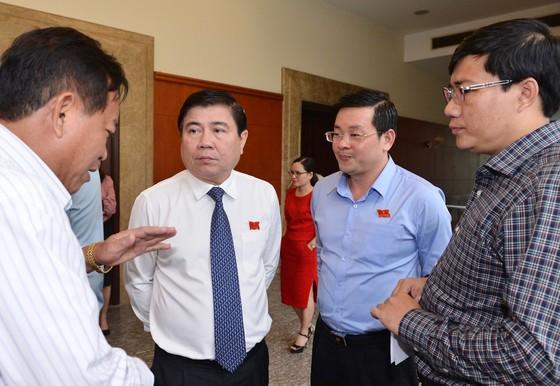 Chủ tịch UBND TPHCM Nguyễn Thành Phong: Hạ thi đua, không tăng thu nhập nếu giải ngân dưới 90% ảnh 1