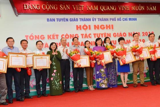 Bí thư Thành ủy TPHCM Nguyễn Thiện Nhân: Tăng cường dự báo và truyền thông kịp thời ảnh 2