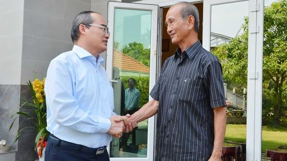 Bí thư Thành ủy TPHCM Nguyễn Thiện Nhân thăm, chúc tết Nhà tình báo huyền thoại ảnh 3