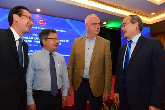 Bí thư Thành ủy TPHCM Nguyễn Thiện Nhân: Đào tạo nhân lực trí tuệ nhân tạo đạt trình độ quốc tế ảnh 5