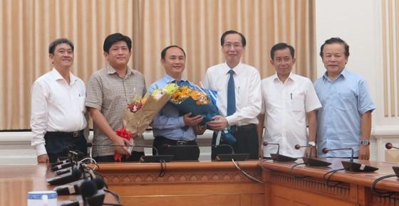 Bí thư Thành ủy TPHCM Nguyễn Thiện Nhân trao quyết định cán bộ tại quận Tân Bình ảnh 2