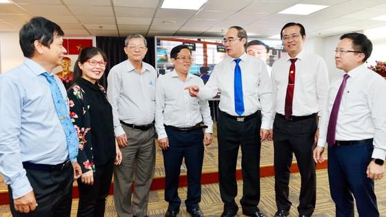 Bí thư Thành ủy TPHCM Nguyễn Thiện Nhân kêu gọi báo chí giám sát kết quả cải cách hành chính ảnh 1