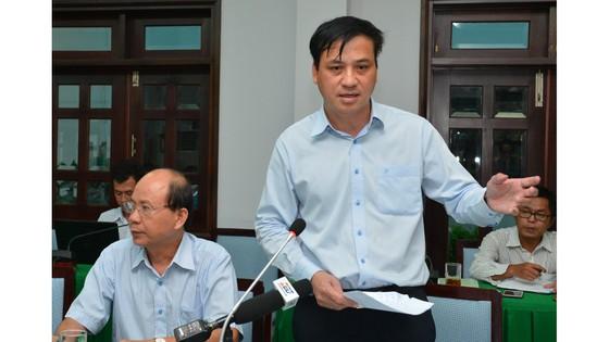 Bí thư Thành ủy TPHCM Nguyễn Thiện Nhân thị sát đột xuất công trình không phép của 'quan quận' ảnh 1