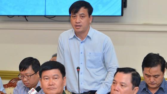 """Chủ tịch UBND TPHCM Nguyễn Thành Phong: """"Đừng để lúc về hưu, tự đi làm giấy tờ mới thấy dân khổ"""" ảnh 4"""