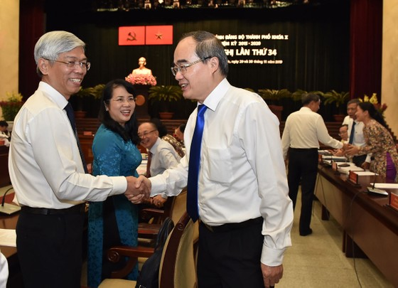Bí thư Thành ủy TPHCM Nguyễn Thiện Nhân: Cải thiện môi trường sống để thu hút đầu tư ảnh 2