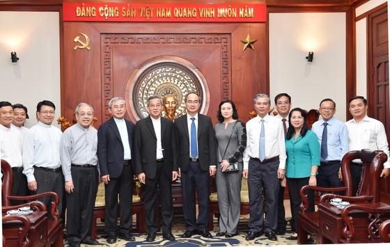 Bí thư Thành ủy TPHCM Nguyễn Thiện Nhân tiếp Đức Tổng Giám mục Tổng Giáo phận TPHCM Nguyễn Năng ảnh 1
