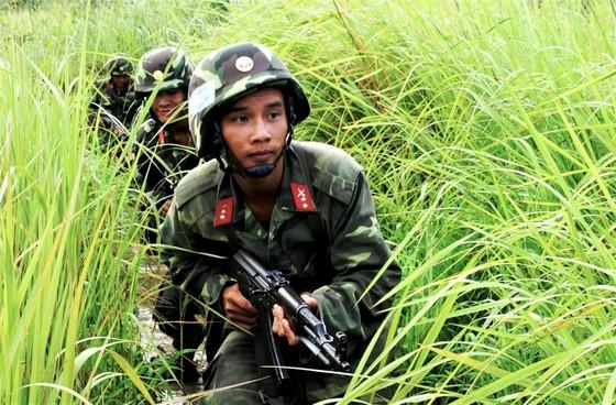 Bí thư Thành ủy TPHCM Nguyễn Thiện Nhân gặp cán bộ cao cấp quân đội nghỉ hưu ảnh 3