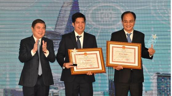 Bí thư Thành ủy TPHCM Nguyễn Thiện Nhân: Đưa công nghệ thông tin - truyền thông thành ngành chủ lực ảnh 5