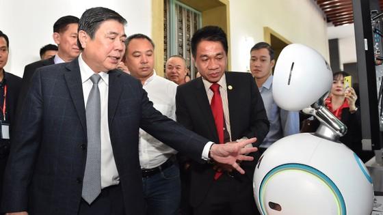 Bí thư Thành ủy TPHCM Nguyễn Thiện Nhân: Đưa công nghệ thông tin - truyền thông thành ngành chủ lực ảnh 4