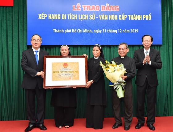 Trao bằng xếp hạng di tích cho Nhà thờ Thủ Thiêm và Tu viện Hội Dòng Mến Thánh Giá Thủ Thiêm ảnh 1