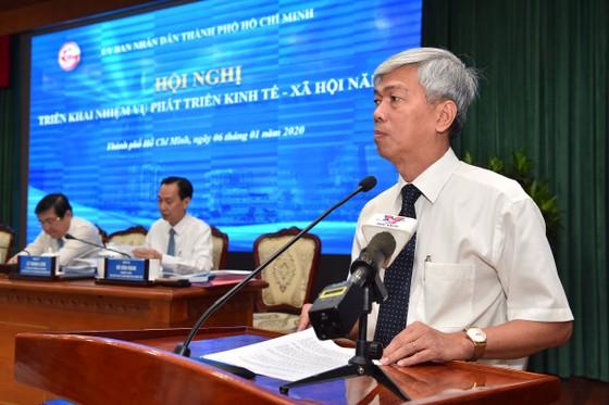 Chủ tịch UBND TPHCM Nguyễn Thành Phong: Kéo giảm ùn tắc giao thông và ô nhiễm môi trường ảnh 4
