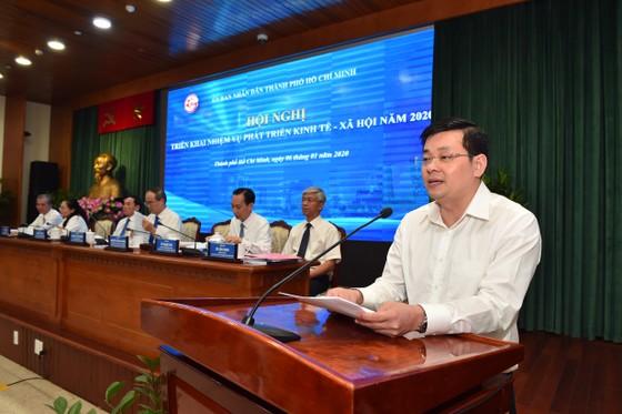 Chủ tịch UBND TPHCM Nguyễn Thành Phong: Kéo giảm ùn tắc giao thông và ô nhiễm môi trường ảnh 5