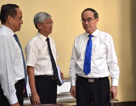 Chủ tịch UBND TPHCM Nguyễn Thành Phong: Kéo giảm ùn tắc giao thông và ô nhiễm môi trường ảnh 2