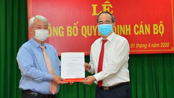 Bí thư Thành ủy TPHCM Nguyễn Thiện Nhân trao quyết định cán bộ tại quận 7 và Đảng ủy Khối ảnh 1