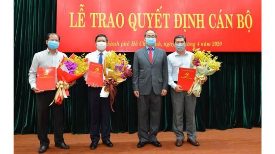 Trao quyết định nhân sự Đảng bộ khối cơ sở Bộ Công thương tại TPHCM ảnh 1