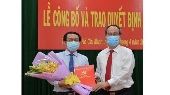Bí thư Thành ủy TPHCM Nguyễn Thiện Nhân trao quyết định cán bộ tại quận 9 ảnh 2