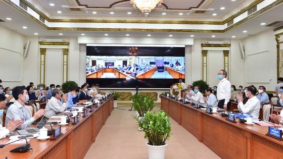 Bí thư Thành ủy TPHCM Nguyễn Thiện Nhân: Ngăn chặn sự phá sản của doanh nghiệp ảnh 1