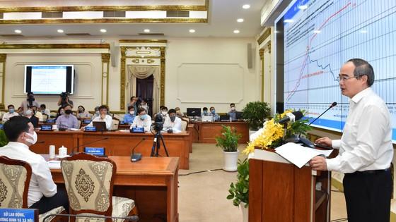 Bí thư Thành ủy TPHCM Nguyễn Thiện Nhân: Ngăn chặn sự phá sản của doanh nghiệp ảnh 4