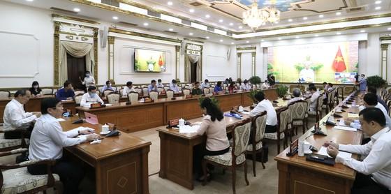 Thủ tướng Nguyễn Xuân Phúc: TPHCM cần đón nhận cơ hội vàng về đầu tư ảnh 1