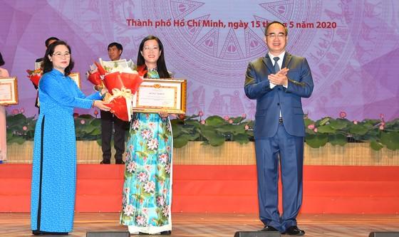 Bí thư Thành ủy TPHCM: Đoàn kết, sáng tạo, bản lĩnh xây dựng TPHCM xứng đáng là thành phố anh hùng ảnh 3