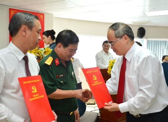Ban Bí thư chỉ định 1 Ủy viên Ban Thường vụ và 5 Thành ủy viên tại TPHCM ảnh 5