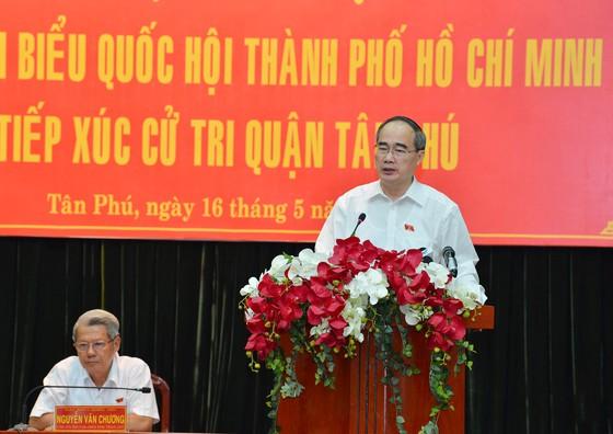 Bí thư Thành ủy TPHCM Nguyễn Thiện Nhân kiểm tra thực tế vi phạm xây dựng tại Bình Chánh ảnh 1