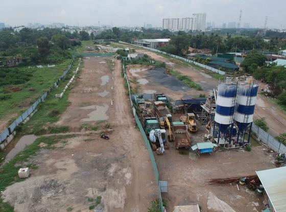 Mặt bằng, thủ tục cản trở dự án giao thông trọng điểm tại TPHCM ảnh 1