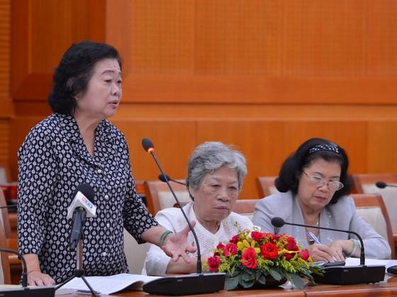 Cán bộ cao cấp nghỉ hưu trên địa bàn TPHCM góp ý văn kiện Đại hội Đảng ảnh 4