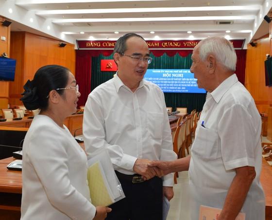 Cán bộ cao cấp nghỉ hưu trên địa bàn TPHCM góp ý văn kiện Đại hội Đảng ảnh 1