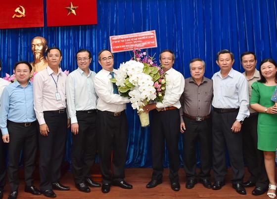 Bí thư Thành ủy TPHCM Nguyễn Thiện Nhân thăm, chúc mừng các cơ quan báo chí ảnh 5
