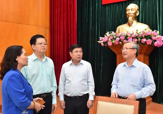 Thường trực Ban Bí thư làm việc với Thành ủy TPHCM về công tác tổ chức Đại hội Đảng ảnh 3