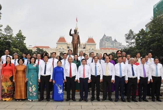 Phó Thủ tướng Thường trực Chính phủ kỳ vọng TPHCM tiếp tục đi đầu cả nước về thi đua yêu nước ảnh 2