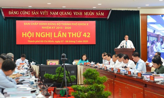 Bí thư Thành ủy TPHCM Nguyễn Thiện Nhân: Giao thông - Điểm nghẽn lớn nhất cho phát triển TPHCM ảnh 1