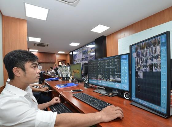 """""""Mắt thần"""" camera giám sát an ninh trật tự giăng khắp trung tâm TPHCM ảnh 2"""