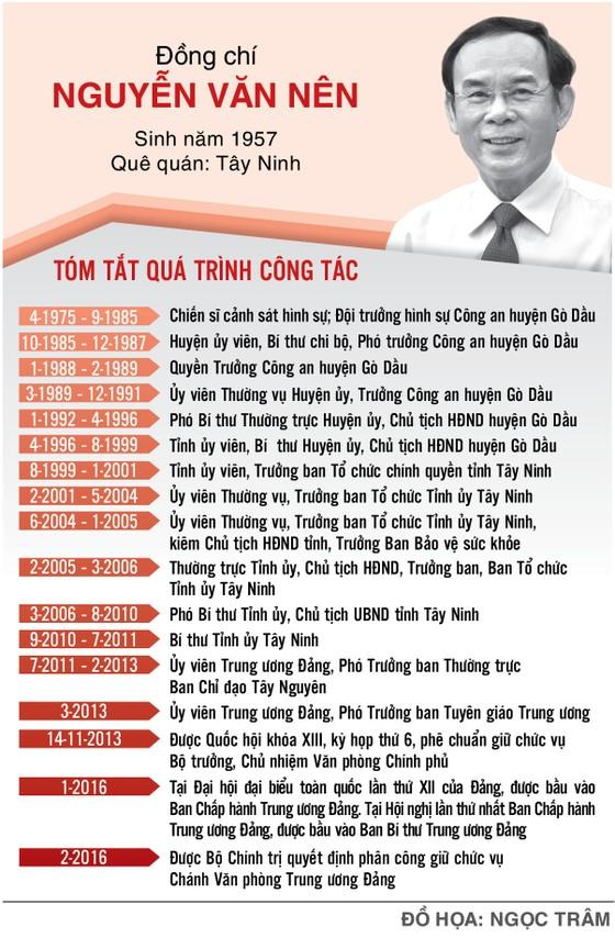 Bộ Chính trị giới thiệu đồng chí Nguyễn Văn Nên để bầu làm Bí thư Thành ủy TPHCM nhiệm kỳ 2020-2025 ảnh 3