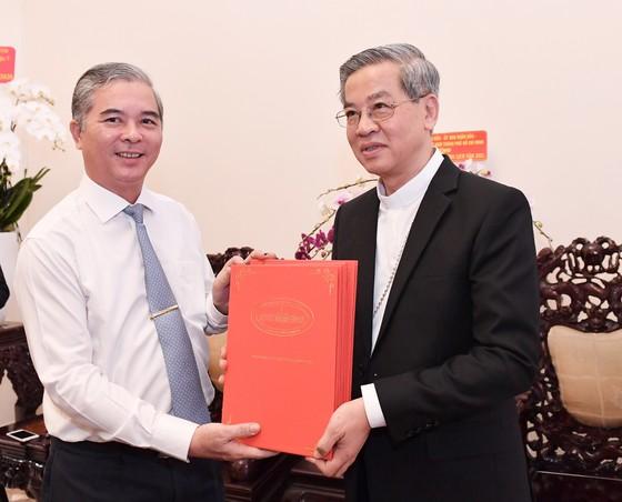 Bí thư Thành ủy TPHCM Nguyễn Văn Nên gửi lời tri ân đến đồng bào công giáo chung tay vượt qua khó khăn ảnh 3
