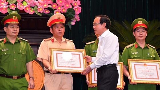 Bí thư Thành ủy TPHCM Nguyễn Văn Nên: 'Khi nghe báo tin tội phạm, có mặt ngay không chần chừ' ảnh 3