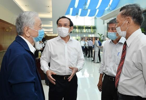 Bí thư Thành ủy TPHCM Nguyễn Văn Nên gặp gỡ cán bộ cao cấp nghỉ hưu trên địa bàn TPHCM ảnh 1