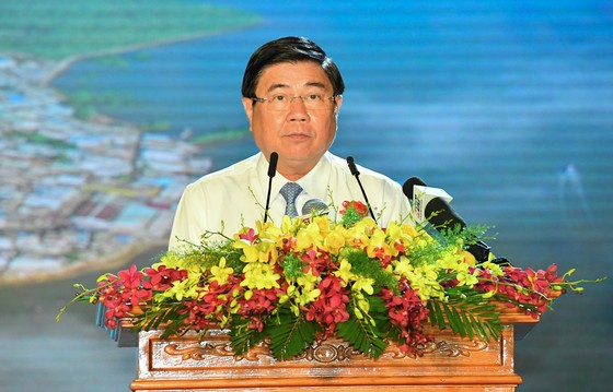 Chủ tịch UBND TPHCM Nguyễn Thành Phong: Tạo mọi thuận lợi để Cần Giờ hoàn thành nhiệm vụ ảnh 3