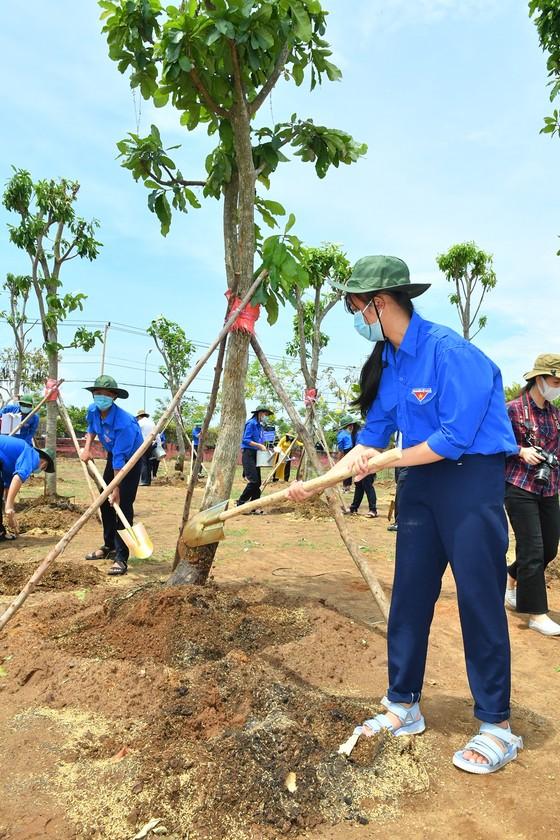 Chủ tịch UBND TPHCM Nguyễn Thành Phong: Tạo mọi thuận lợi để Cần Giờ hoàn thành nhiệm vụ ảnh 4