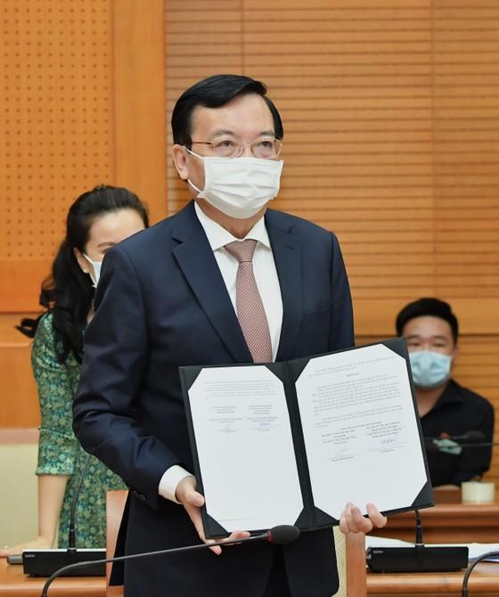 Bí thư Thành ủy TPHCM Nguyễn Văn Nên họp trực tuyến với Thống đốc thành phố Saint Petersburg ảnh 5