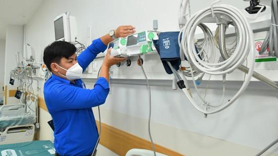 Bí thư Thành ủy TPHCM Nguyễn Văn Nên thăm Bệnh viện Hồi sức Covid-19 ảnh 4