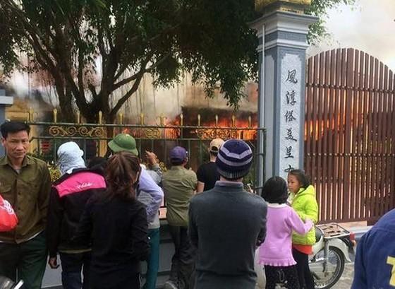 Cẩn thận với nguy cơ cháy ở các cơ sở thờ tự   ảnh 1